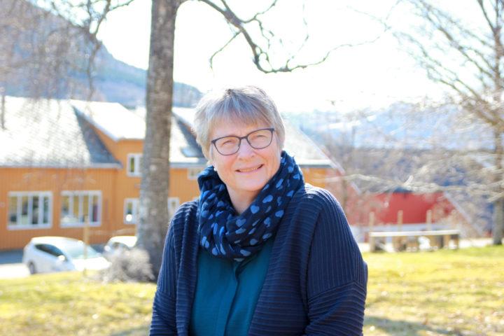 Daglig leder Turid Strøm på Tingvoll Gard (Foto: Vegard Botterli)