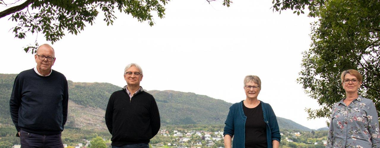 Fra venstre: Fylkespolitiker Pål Farstad. Stortingsrepresentant André N. Skjelstad. Daglig leder i NORSØK, Turid Strøm. Fylkesleder i Venstre for Møre og Romsdal, Rita Rognskog. (Foto: Vegard Botterli)